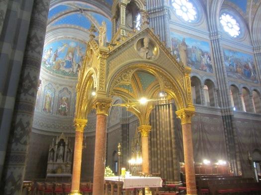 Dakovo Catherdral Altar